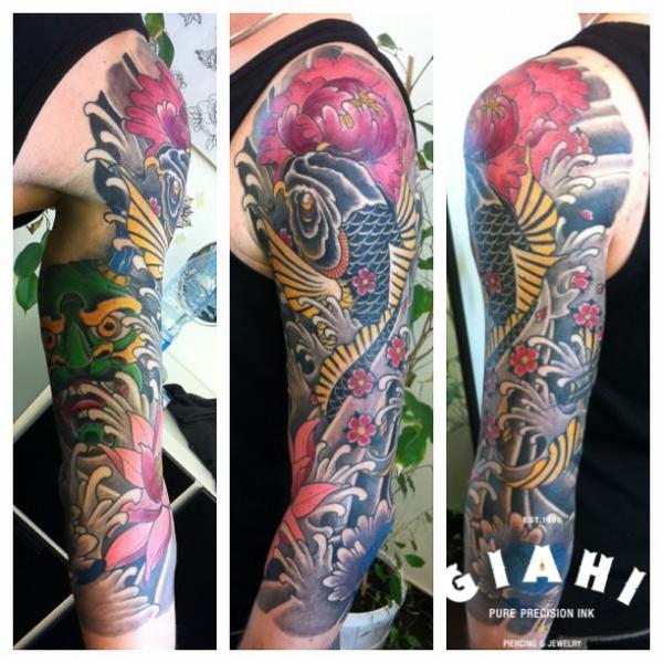 Shoulder Arm Japanese Carp Tattoo by Giahi
