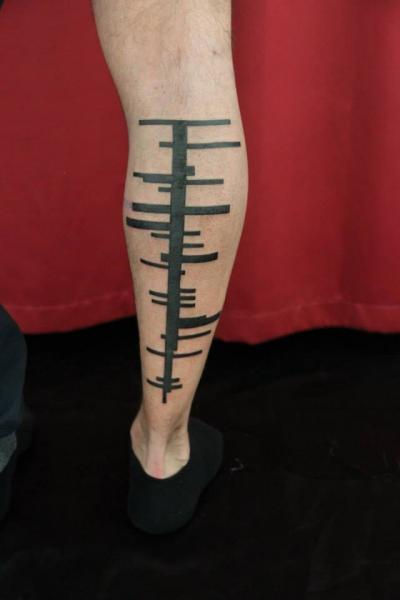 Waden Tribal Abstrakt Tattoo von Skin Deep Art