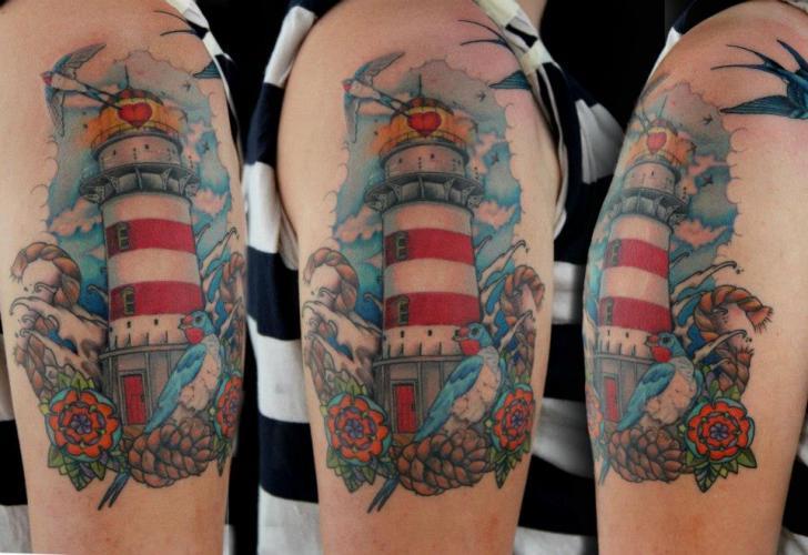 Tatuaggio Spalla Faro Uccello di Skin Deep Art