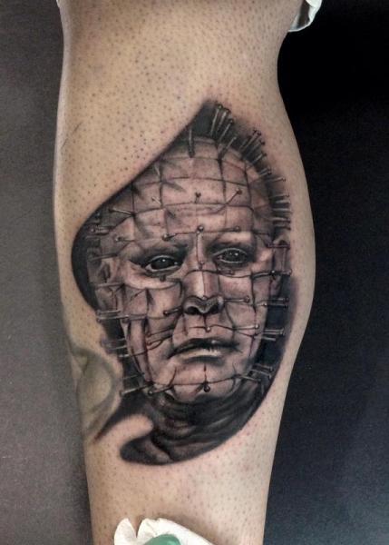 Tatuaje Brazo Fantasy Hellraiser por Art Junkies Tattoos