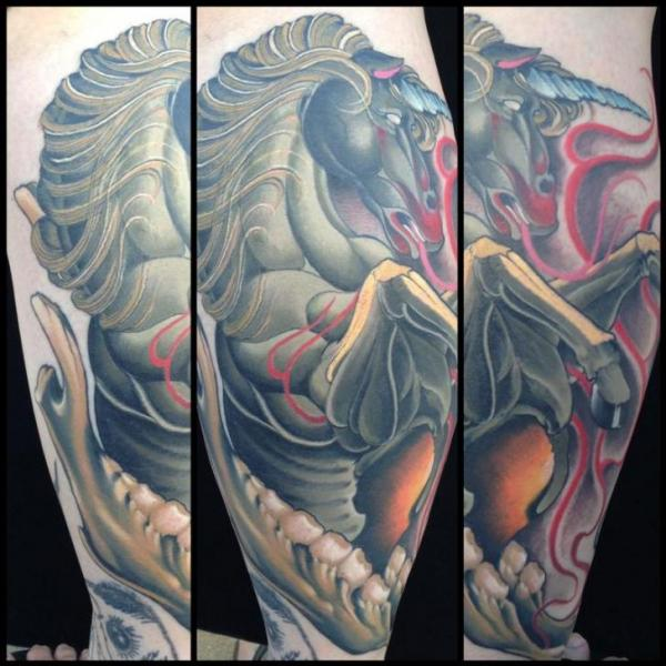 Fantasie Waden Einhorn Tattoo von Art Junkies Tattoos
