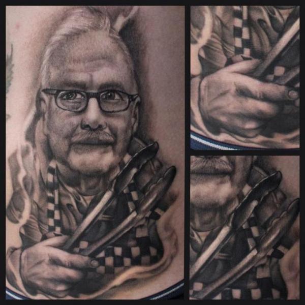 Porträt Realistische Seite Tattoo von Art Junkies Tattoos