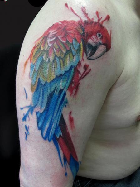 Schulter Realistische Papagei Tattoo von Evil From The Needle
