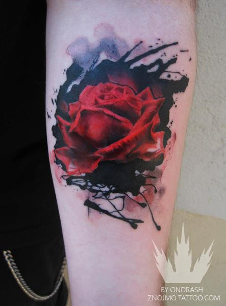 Arm Blumen Rose Tattoo von Ondrash Tattoo