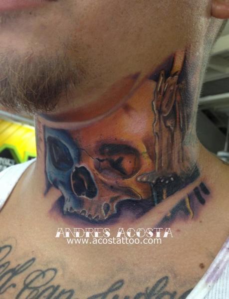 Tatuaje Cráneo Cuello Vela por Andres Acosta