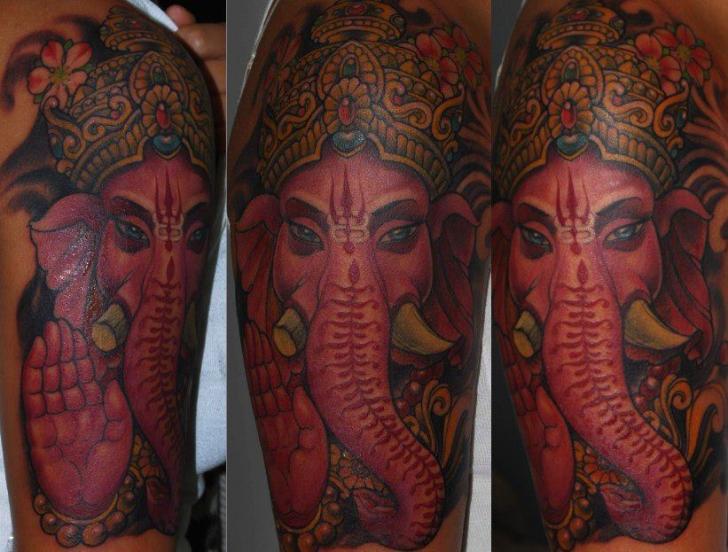 tatouage Épaule religieux ganesh par silvercrane tattoo