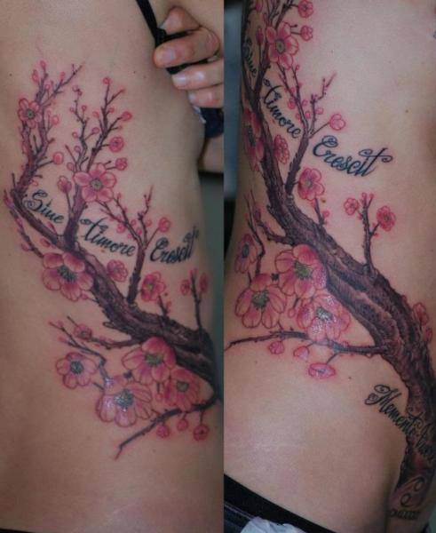 Realistische Seite Leuchtturm Kirsche Baum Tattoo von Silvercrane Tattoo