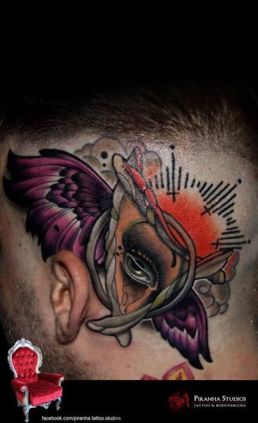 Fantasie Kopf Flügel Tattoo von Piranha Tattoo Supplies