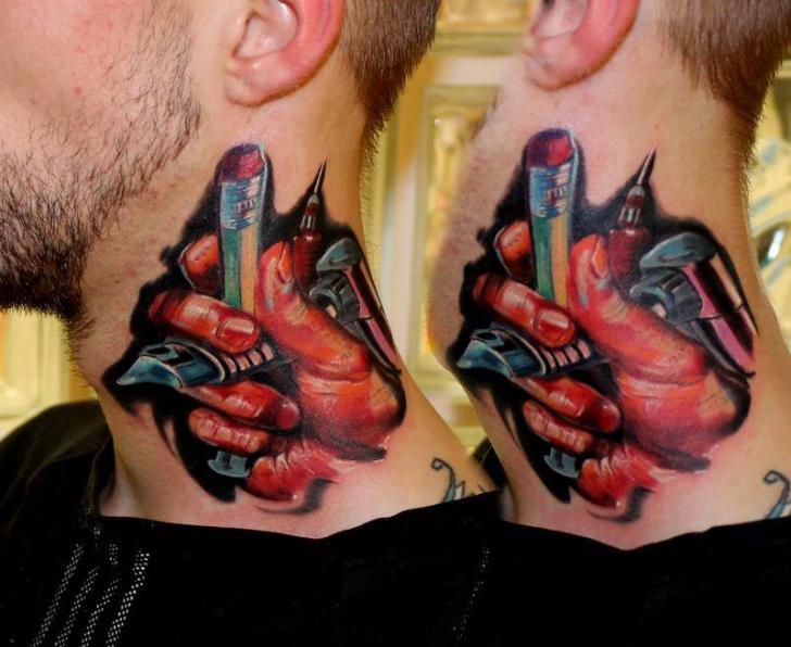 Nacken Tattoo Maschine Tattoo von Piranha Tattoo Supplies