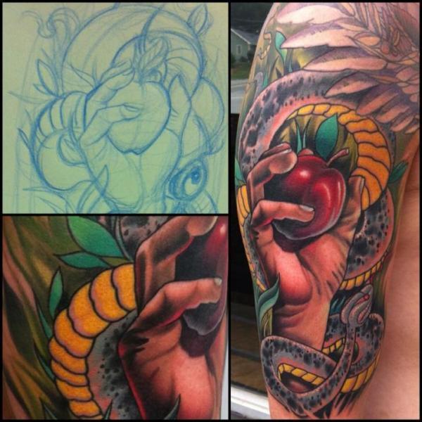 Tatouage Bras Serpent Main Pomme Par Vince Villalvazo