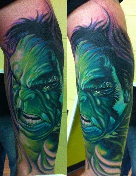 Tatuaje Fantasy Pierna Hulk por Vince Villalvazo