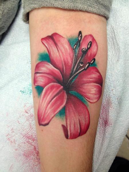 Tatuaje Brazo Realista Flor por Tantrix Body Art