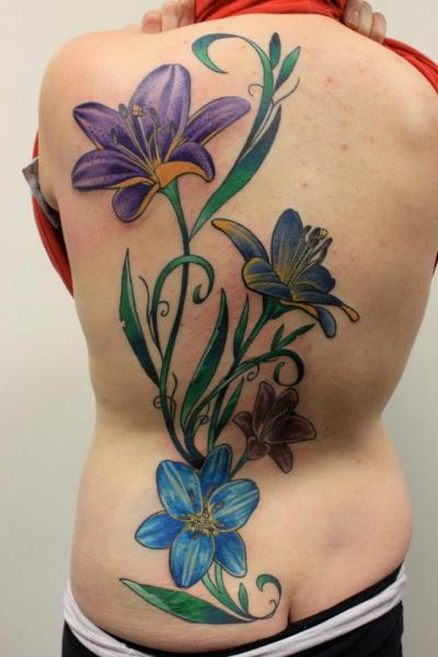 Realistische Blumen Rücken Tattoo von Tantrix Body Art