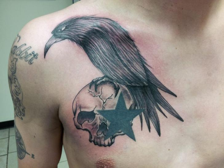Chest Skull Star Crow Tattoo by Tantrix Body Art