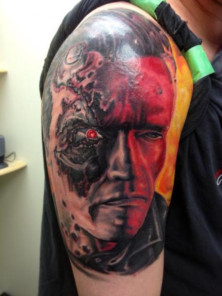 Tatuaggio Spalla Fantasy Terminator di Tantrix Body Art