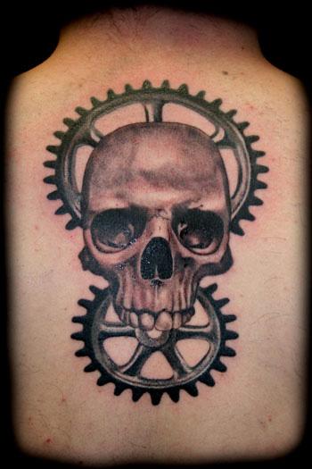 Gear Skull Neck Tattoo by Artic Tattoo
