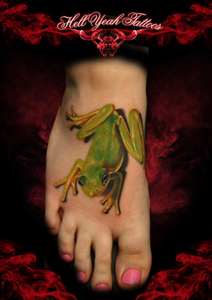 Realistic Foot Frog 3d Tattoo by Hellyeah Tattoos