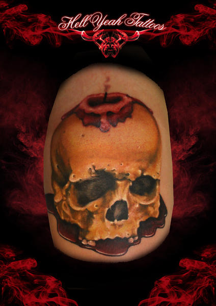 Schulter Totenkopf Kerze Tattoo von Hellyeah Tattoos