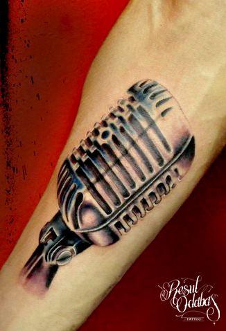 Tatuaggio Braccio Realistici Microfono di Resul Odabaş