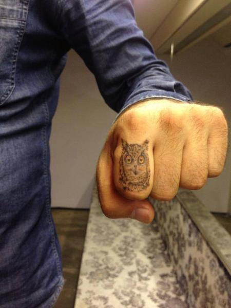 Finger Owl Tattoo by Resul Odabaş