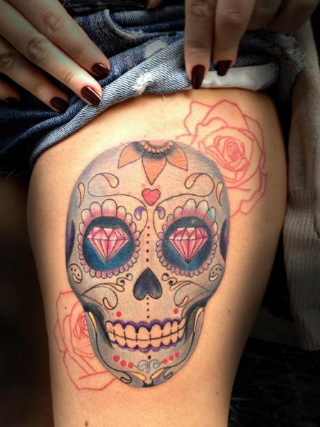 Leg Skull Diamond Tattoo by Resul Odabaş