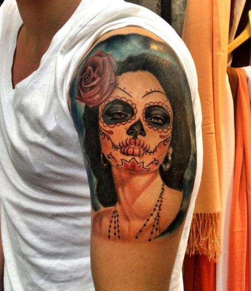 Shoulder Mexican Skull Tattoo by Resul Odabaş