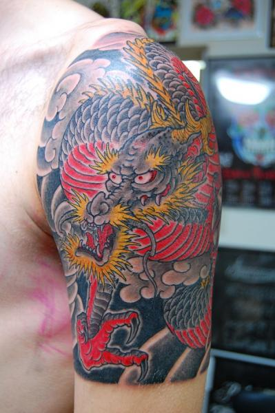 Shoulder Japanese Dragon Tattoo by Illsynapse
