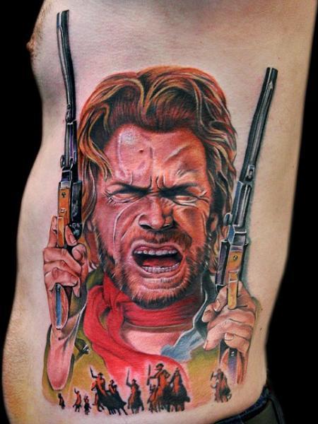 Porträt Seite Waffen Tattoo von Cecil Porter