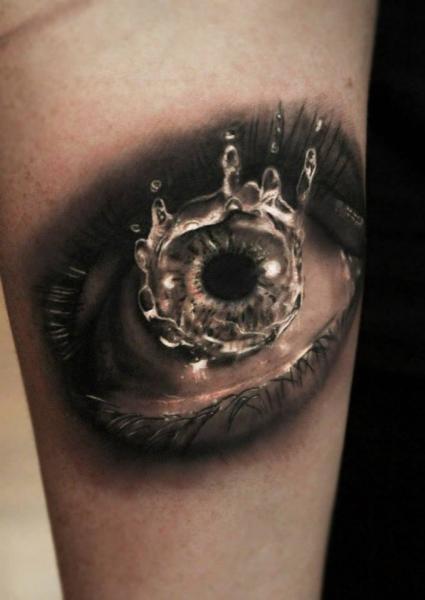 Arm Realistische Auge Tattoo von Georgi Kodzhabashev