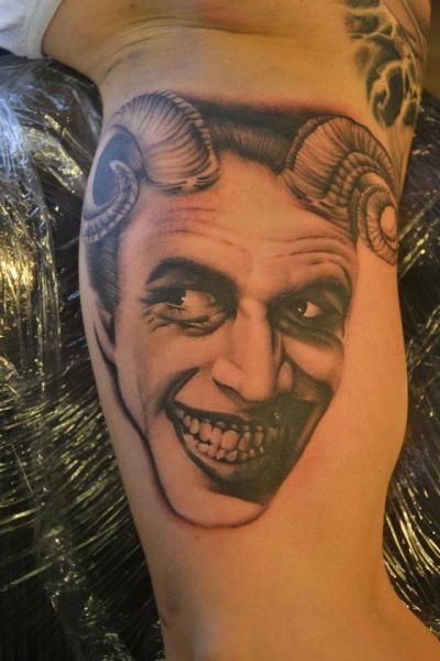 Tatuaggio Braccio Fantasy di Crazy Needle