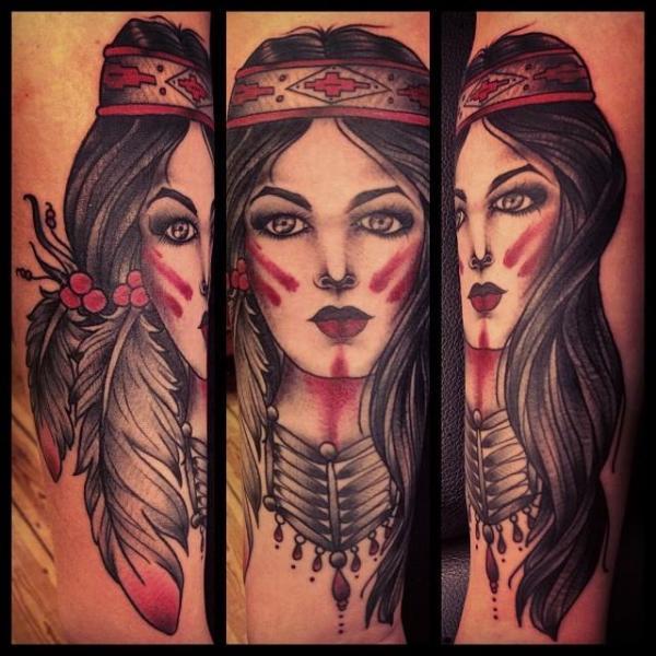 Tatuaggio Braccio Old School Indiani di Sarah B Bolen