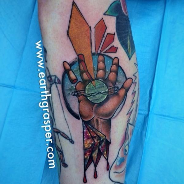 Arm Abstrakt Tattoo von Earth Gasper Tattoo