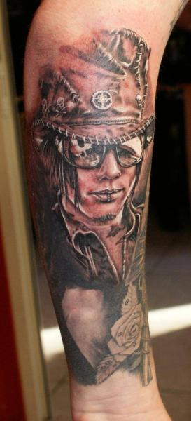 Arm Porträt Tattoo von Eddy Tattoo