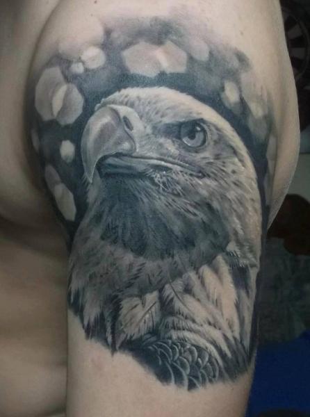 Shoulder Realistic Eagle Tattoo by Eddy Tattoo