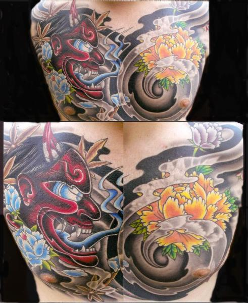 Tatuaje Pecho Flor Japoneses Demonio por Transcend Tattoo