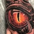 Biomechanisch Hand Auge tattoo von No Remors Tattoo