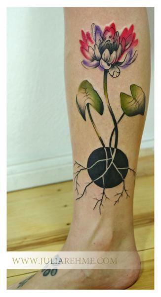 Leg Flower Tattoo by Julia Rehme