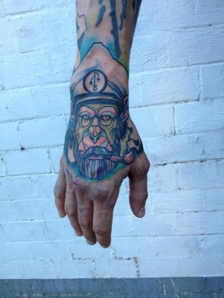 Tatuaje Mano Mono Sombrero Abstracto por Voller Konstrat