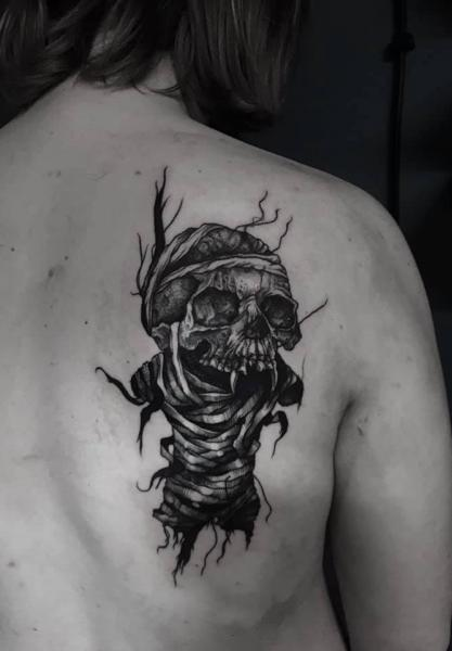 Skull Back Tattoo by 9th Circle