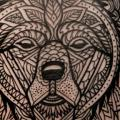 tatuaggio Braccio Orso Dotwork di Three Kings Tattoo