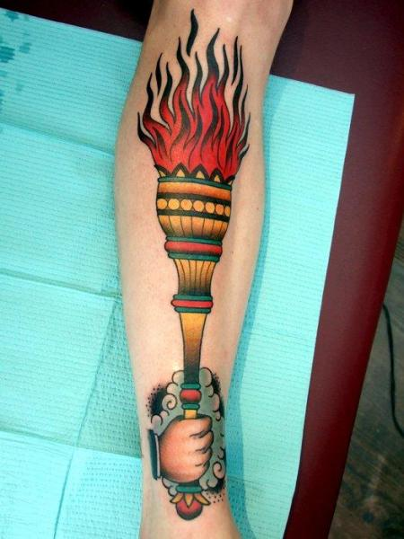 Arm New School Flammen Tattoo von Three Kings Tattoo