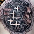 Seite Dotwork Sonne Mond tattoo von Three Kings Tattoo
