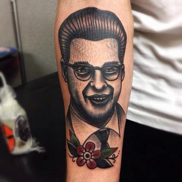 Arm Porträt Old School Tattoo von Matt Cooley