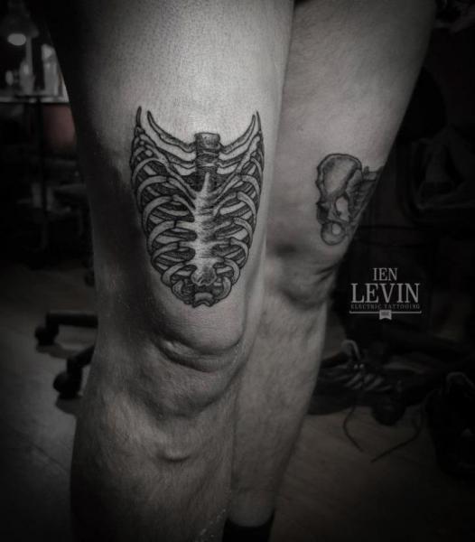 Dotwork Skeleton Thigh Tattoo by Ien Levin