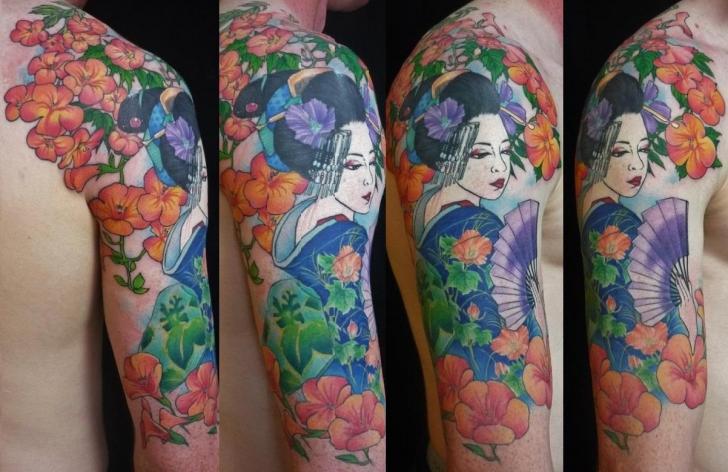 Tatuaje Hombro Flor Japoneses Geisha por Chunkymaymay Tattoo