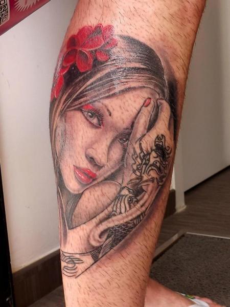 Tatuaje Ternero Mujer por Next Level Tattoo