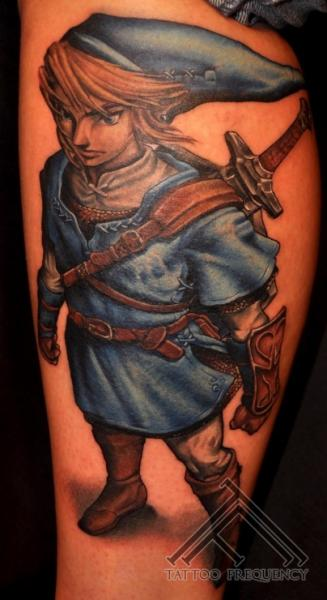 Tatuaggio Fantasy Gamba di Tattoo Frequency