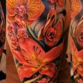 Schulter Realistische Blumen tattoo von Tattoo Frequency
