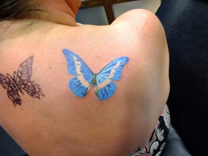 Rücken Schmetterling Tattoo von Yusuf Artik Tattoo Studio