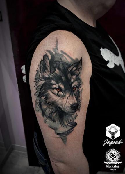 Shoulder Wolf Tattoo by Black Star Studio